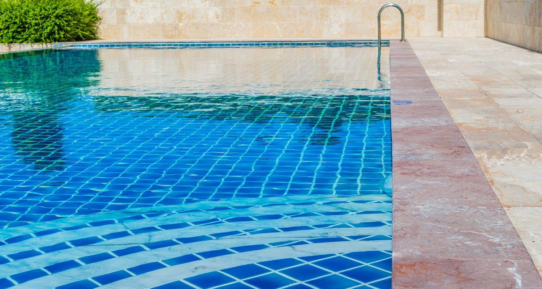 Mantenimiento de piscinas de comunidades multiservicios for Mantenimiento de piscinas madrid